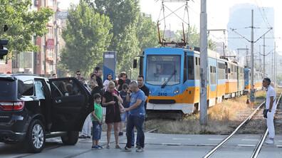 """Катастрофа затрудни движението на кръстовището пред """"Пирогов"""""""