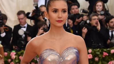 Нина Добрев събра погледите с рокля..от стъкло