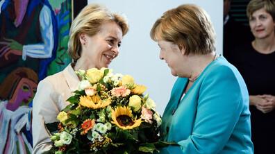 Меркел получи букет цветя в началото на правителственото заседание