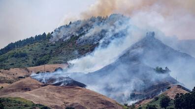 Огромен пожар на остров Гран Канария, хиляди са евакуирани