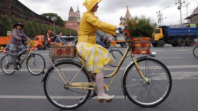Хиляди колоездачи блокираха Москва