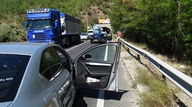 Лека катастрофа блокира трафика по Е-79 край Благоевград