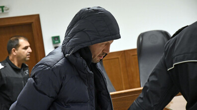 Съдът остави в ареста мъжа, откраднал 140 000 лева от кола в София