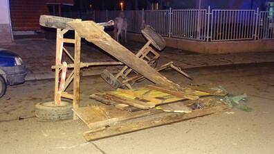 Подплашен кон преобърна каруца в Благоевград, мъж пострада
