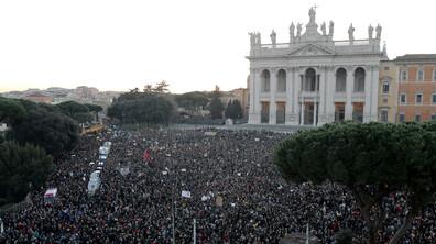 """""""Сардините"""" - протест срещу Салвини"""