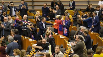 ЕП ратифицира споразумението за Brexit
