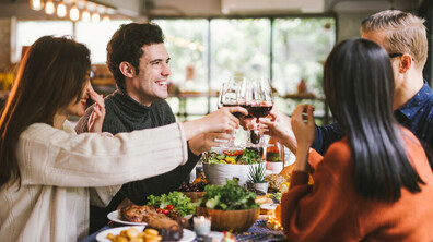 Грешките, които туристите правят, когато се хранят навън