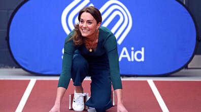 СПОРТНА И СТИЛНА: Кейт Мидълтън се състезава с атлети