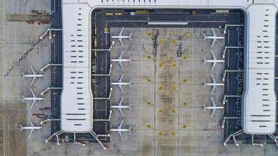 НЕОЧАКВАН ПРОБЛЕМ: Няма достатъчно паркоместа за приземните самолети