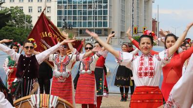 Учители по танци протестираха с искане да бъдат отворени залите за култура