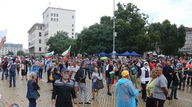 ДЕН 30: Антиправителствените протести продължават (ВИДЕО)