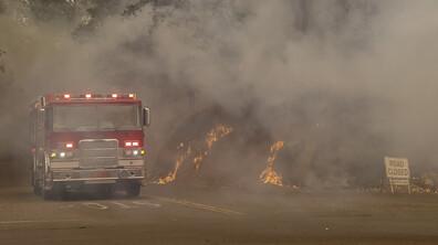 Расте броят на жертвите при пожарите в Калифорния