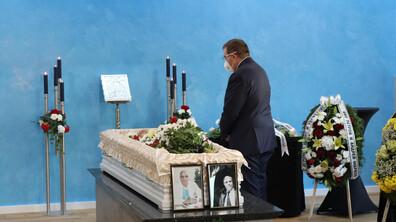 Близки, приятели и колеги се сбогуваха с проф. Александър Чирков (СНИМКИ)