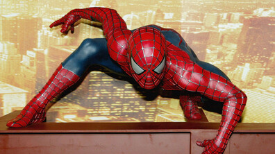 ЗАБАВНО: Какво правят супергероите в свободното си време?