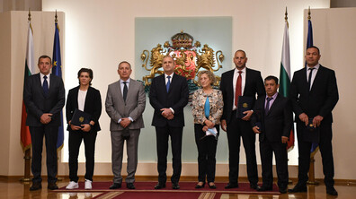 Румен Радев удостои изявени български спортисти с Почетен знак на президента