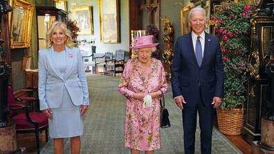 Байдън и съпругата му пиха чай с кралица Елизабет
