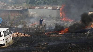 Пожар избухна близо до Околовръсното в София