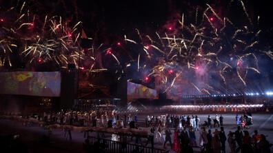 Мексико отпразнува 200 години независимост с историческо шоу