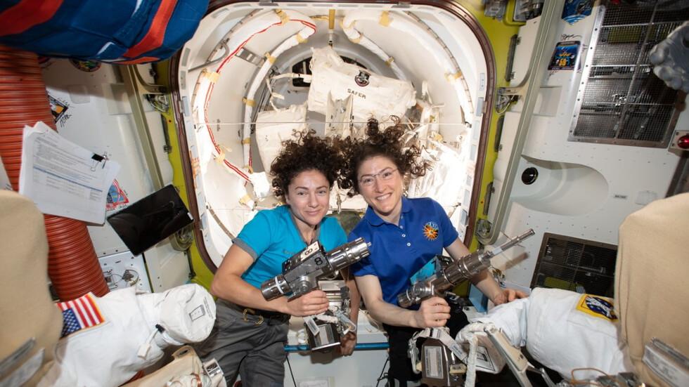 Първото женско излизане в открития Космос