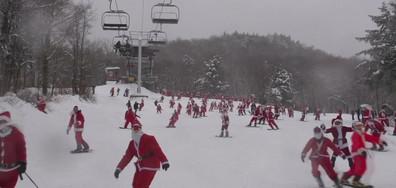 Дядо Коледа на ски и Кучета участваха в тенис турнир