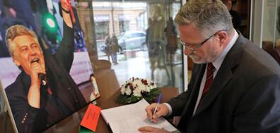 Съболезнователна книга за Стефан Данаилов в централата на БСП