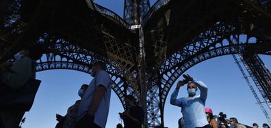 Айфеловата кула отвари за посетители