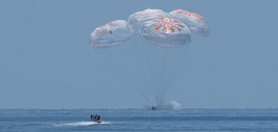 """""""SpaceX"""" се приводни успешно в Мексиканския залив"""