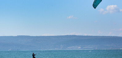 С кайтсърф в морето край Варна