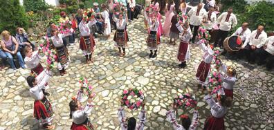 Започна Празникът на розата в Карлово