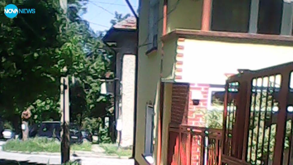Общинско безхаберие руши къща