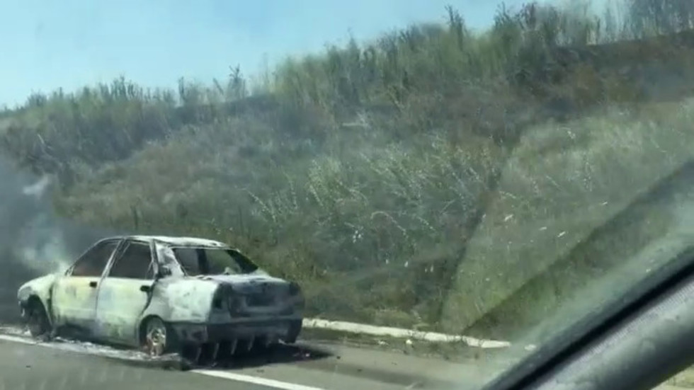 """Изгорял автомобил на магистрала """"Тракия"""", на 321 км"""