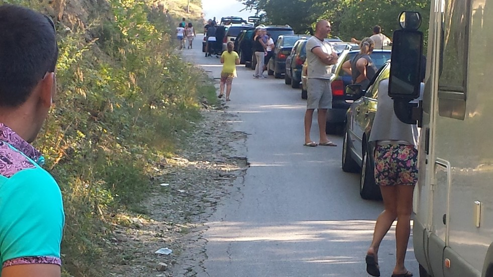 На Кръстовден полицаите са затворили пътя до святото място