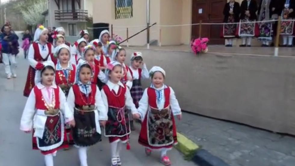 Лазарки - гордостта на с.Чернево