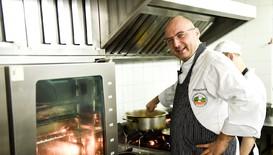 Шеф Манчев в спасителна мисия за едно семейство и здравето на един ресторант